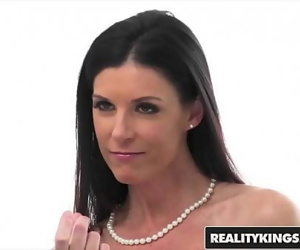 Perfect milf (India Summer)..