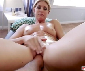 Stuffing my sexy Mummy..