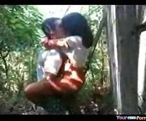 Desi lady pounded in jungle..